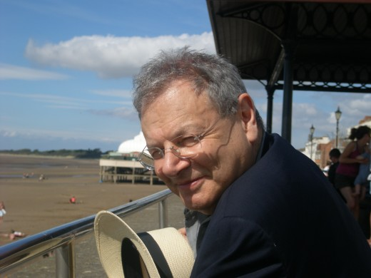 Sir Martin on location in Burnham -on -Sea, Sommerset, 19 August 2009