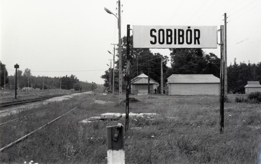 Sir Martin visits Sobibor a Polish concentration camp